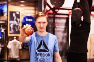 At two locations of Karstadt Sports Reebok successfully activates its areas with CrossFit workouts.