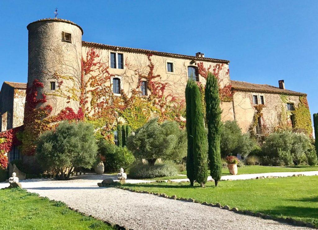 Chateau_de_Villarlong_von_Aussen_-4-1024x739 Wohnen im Schloss: Château de Villarlong