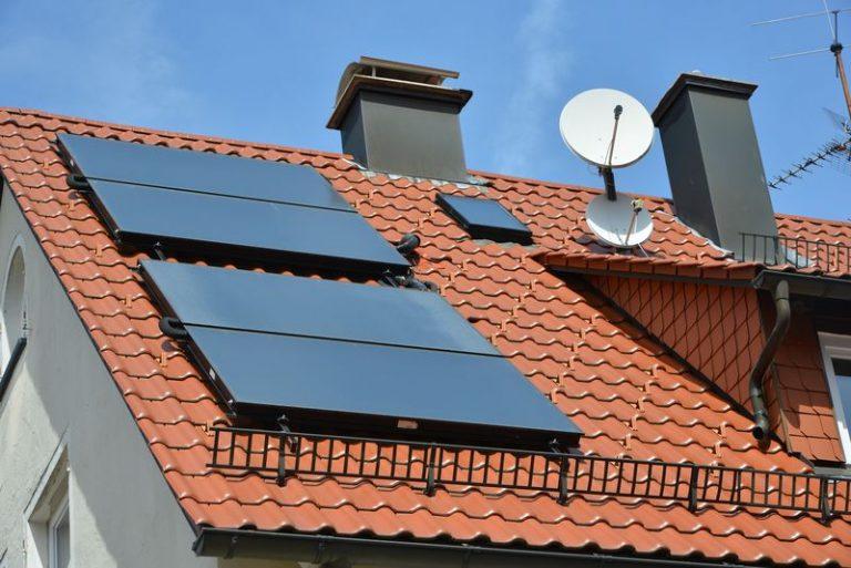 Öl-Brennwertkessel und Solaranlage