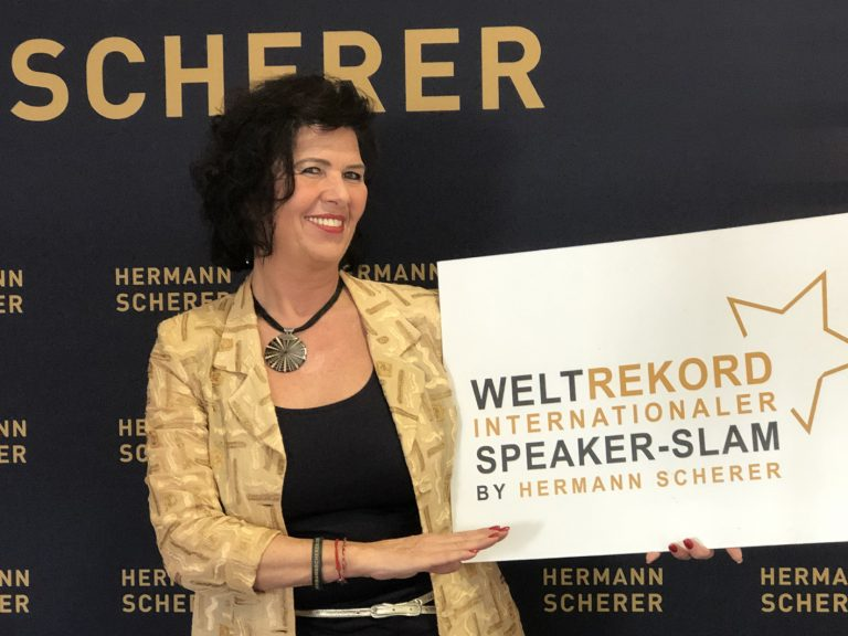 "Edith Steller erhält den ""Excellence-Speaker"" Award"